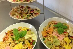 Hospitali Tea Catering Foto Lunch Wraps Pastasalade